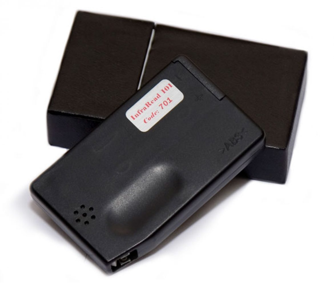 InfraRead 701 handheld anti-counterfeiting detector